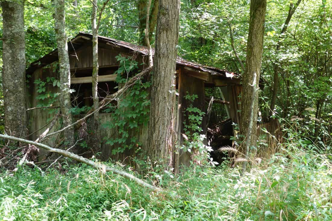 old building at Hidden Lake Tennessee